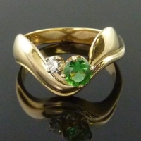 """River"" Ring with Chrome Diopside"